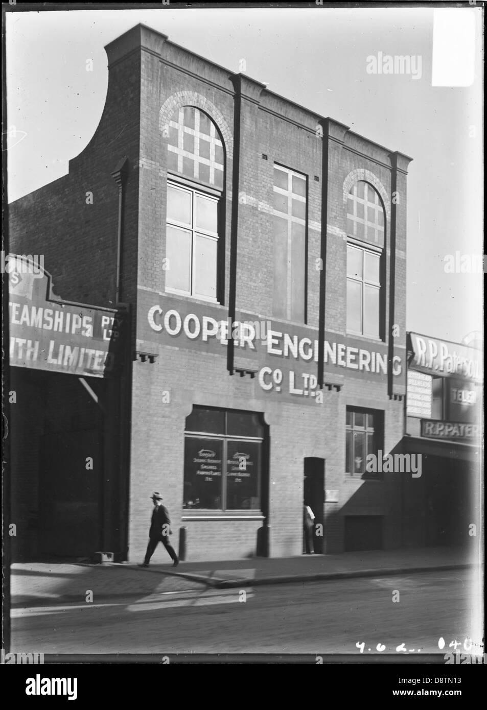 Street scene showing Sydney Produce Company, Howard Smith