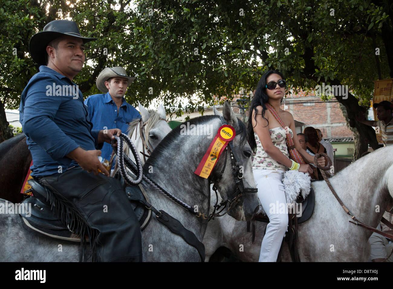 Cabalgata Fotos.La Cabalgata Horse Parade Feria De Cali Cali Fair Cali