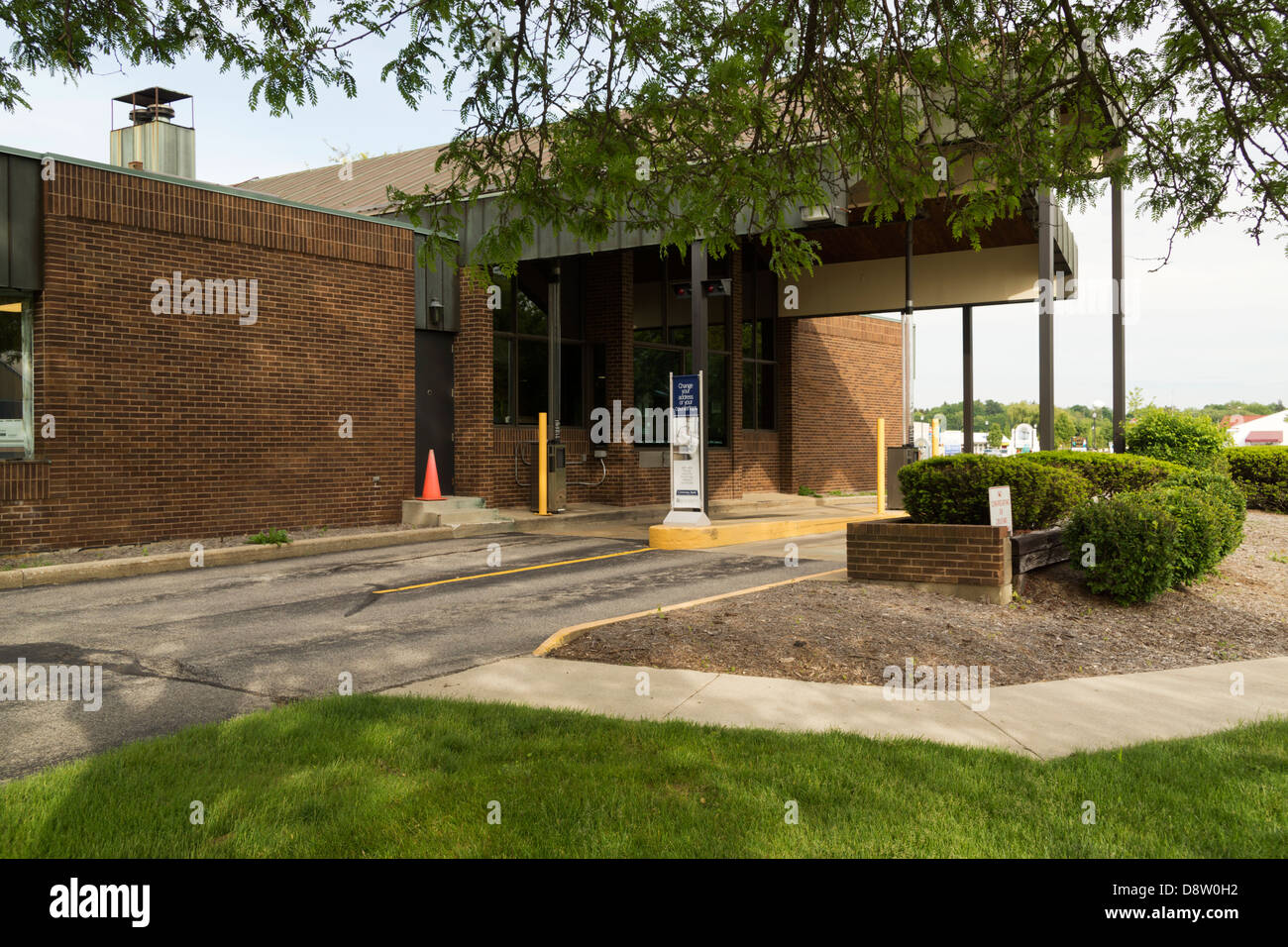 Drive Through Bank Stock Photos Images Comerica Wiring Instructions Banking At In Montague Michigan Usa Image
