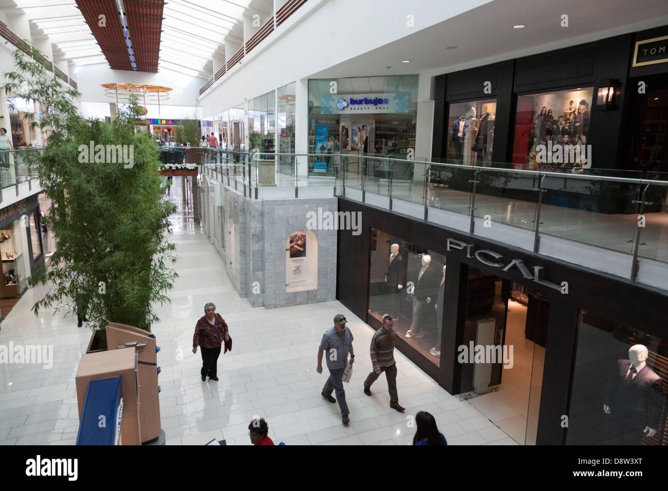 Quicentro Shopping Centre, Quito, New City, Ecuador - Stock Image