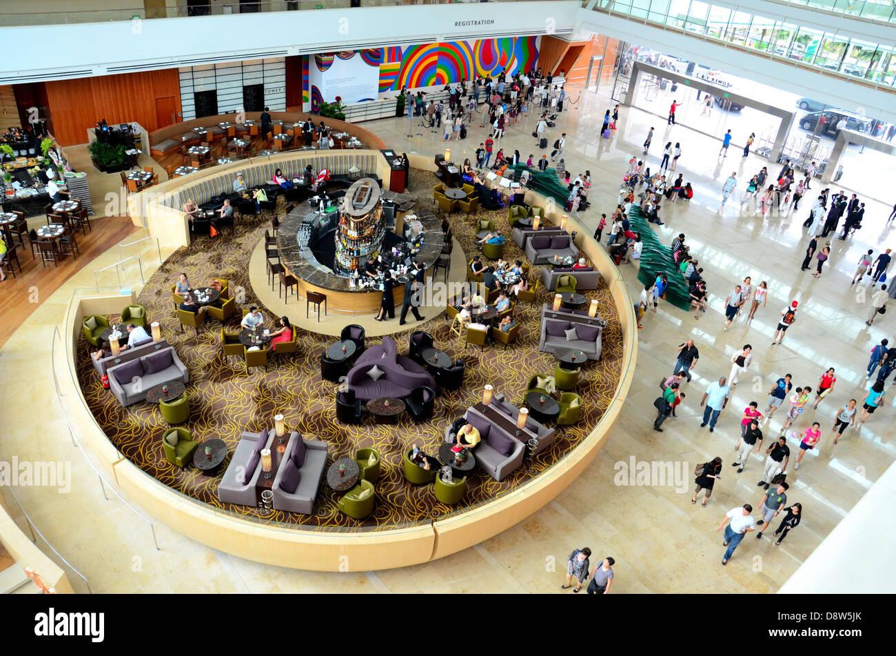 Marina Bay Sands hotel lobby: Singapore - Stock Image
