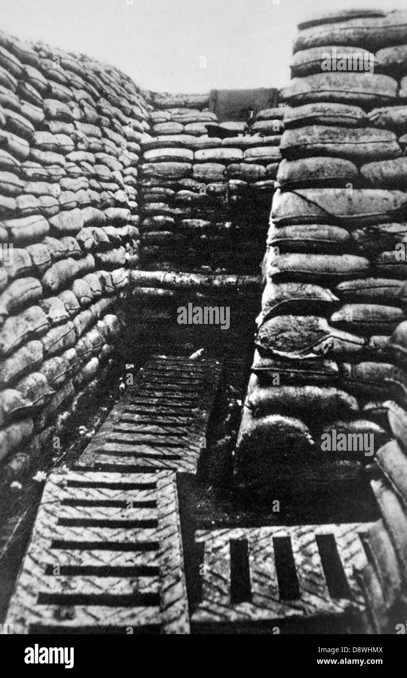 Trench Black And White Stock Photos Images Alamy Ww1 Trenches Diagram Pits Behind The First World War Photograph Of Front Line Image