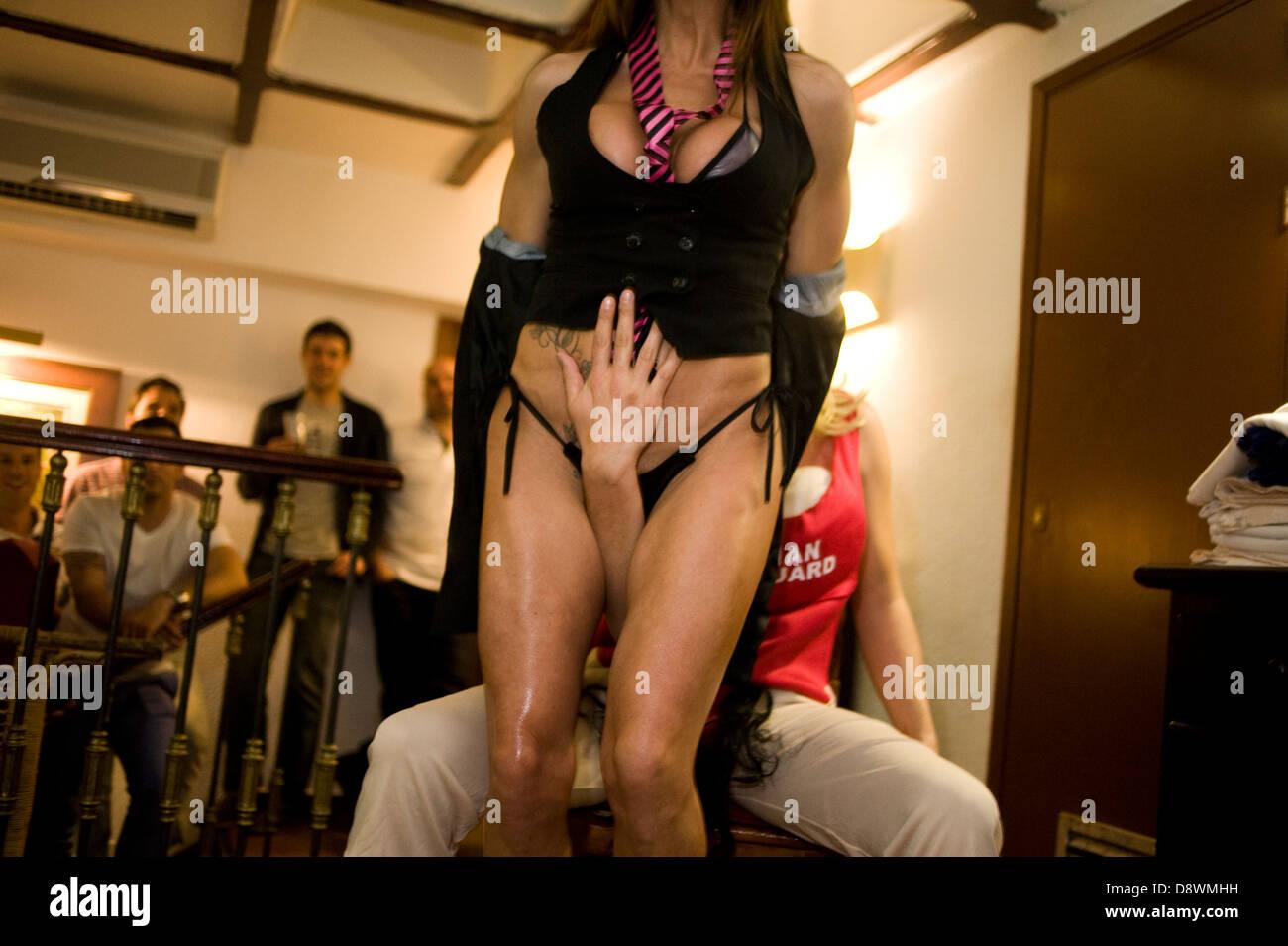 bachalorette-stripper-sex-party