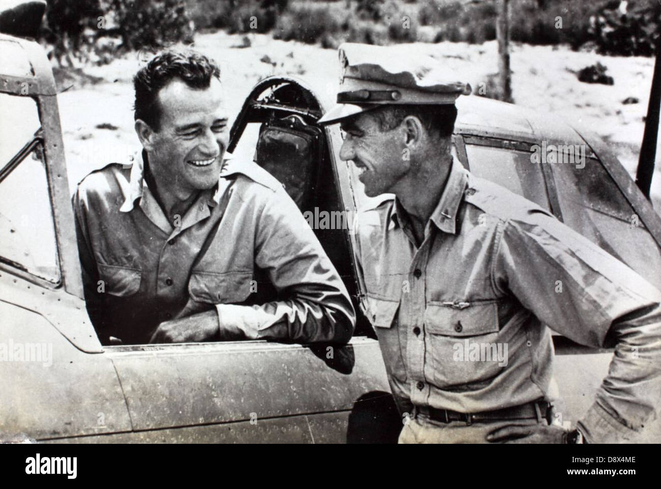 John Wayne and Col. Neel Kearby with P-47 at Saidor, New Guinea - Stock Image