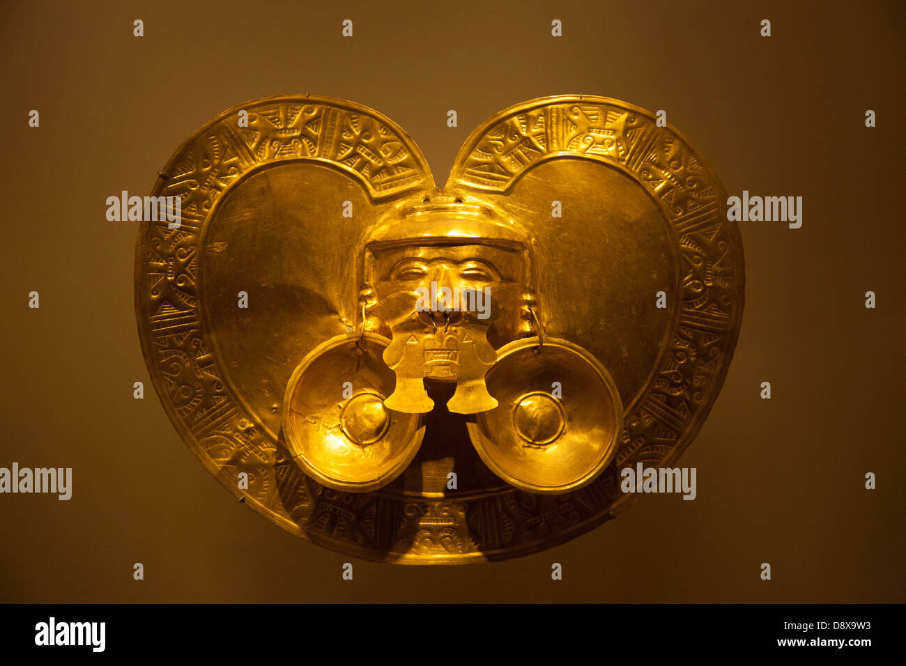 Pre Colobian gold work on display in the Museo del Oro, Bogota, Colombia - Stock Image
