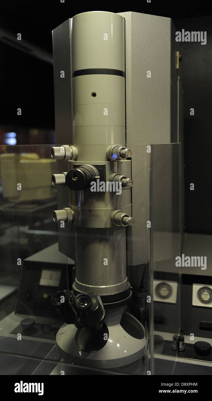 Transmission electron microscope 'EM9'. Signed: Carl Zeiss. 1964 - Stock Image