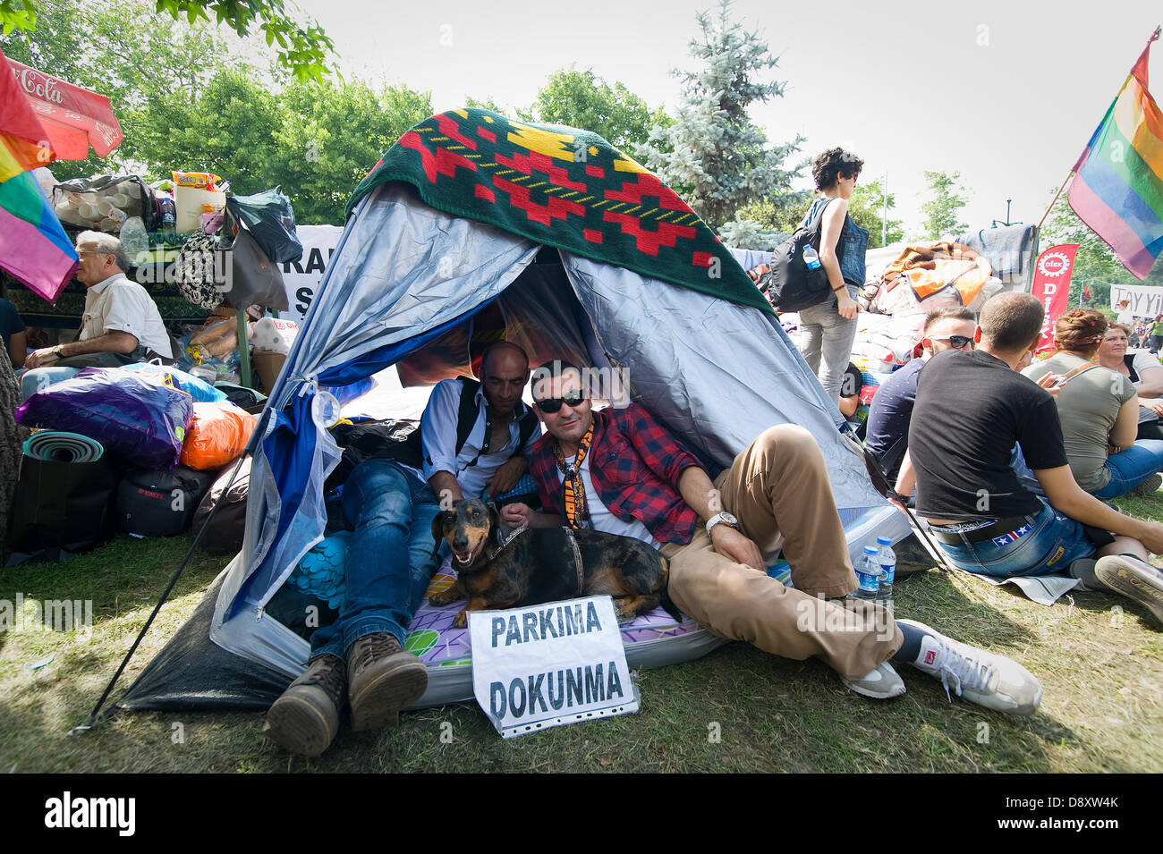 Istanbul, Turkey. 5th June, 2013.  On 31st May a previously peaceful protest against the demolition of Gezi Park - Stock Image