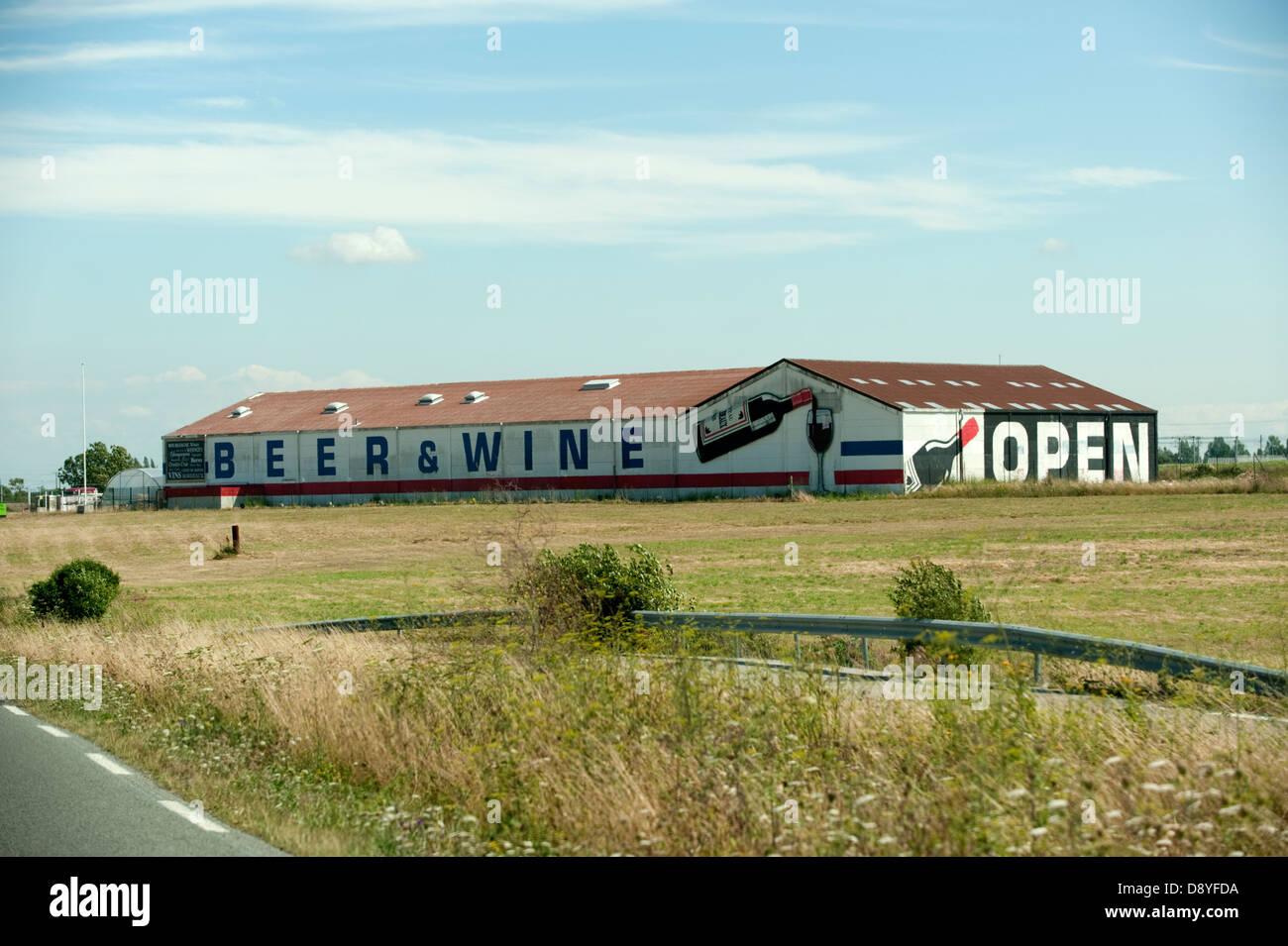 Cheap Beer & Wine Warehouse Calais France Europe - Stock Image