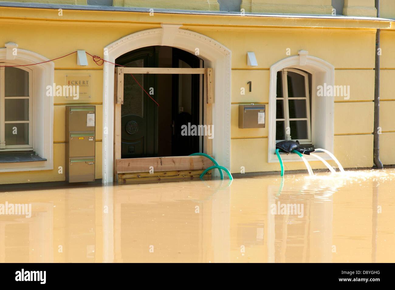flood of river Saale in Halle, Emil-Eichhorn-Strasse, Germany, 05. June 2013; Hochwasser in Halle (Saale) - Stock Image