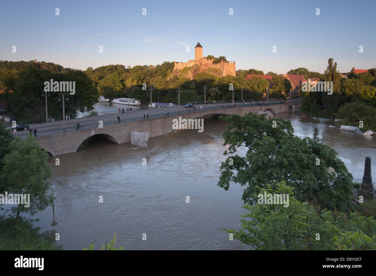 castle and bridge Giebichenstein during flood of river Saale in Halle; Germany, 5th  June 2013 - Stock Image