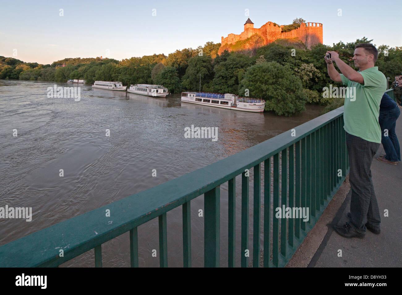 castle Giebichenstein during flood of river Saale in Halle - seen from bridge Giebichenstein; Germany, 5th  June - Stock Image