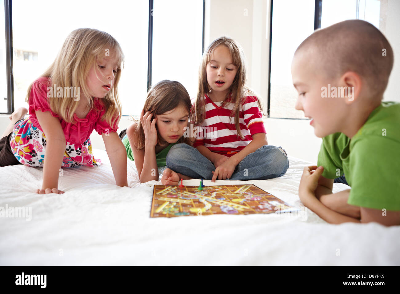 How to play snakes and ladders wikihow.