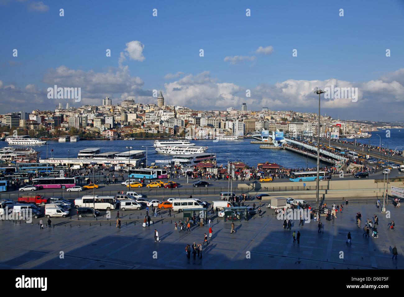 GOLDEN HORN & GALATA BRIDGE BEYOGLU ISTANBUL TURKEY 11 November 2012 - Stock Image