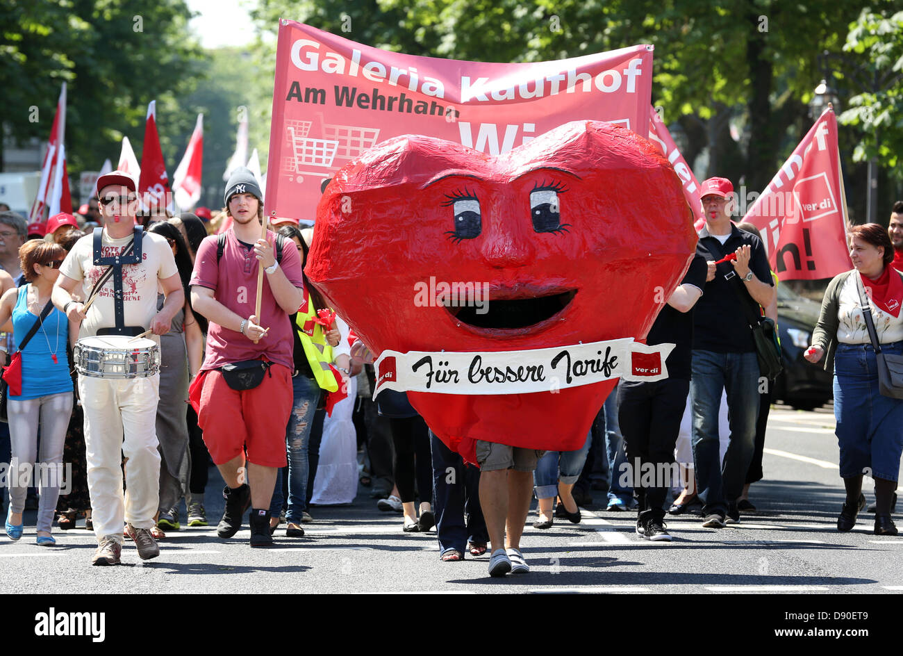 Members to the Verdi Union demonstrate in Duesseldorf,Germany, 07 June 2013. The union wants to draw attention - Stock Image