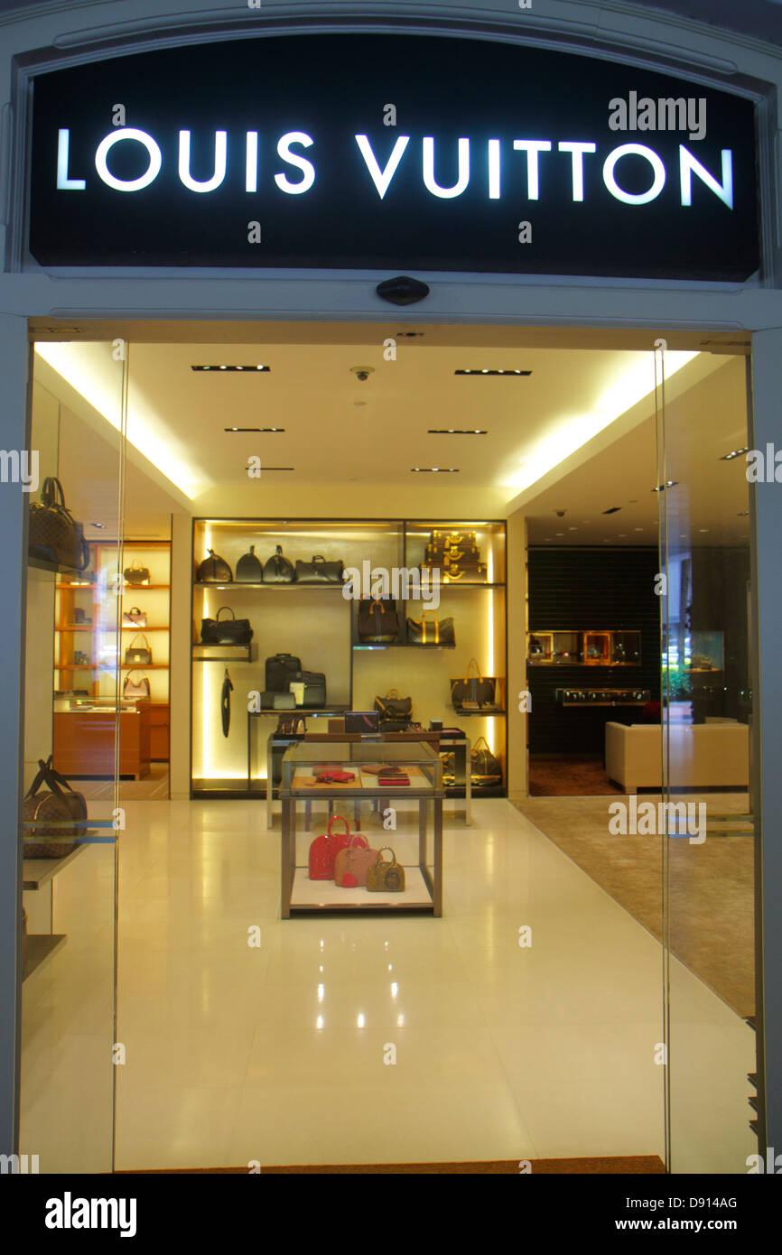 46722b4caaaf Singapore Raffles Hotel Courtyard shopping front entrance Louis Vuitton  leather goods handbags women s fashion inside interior
