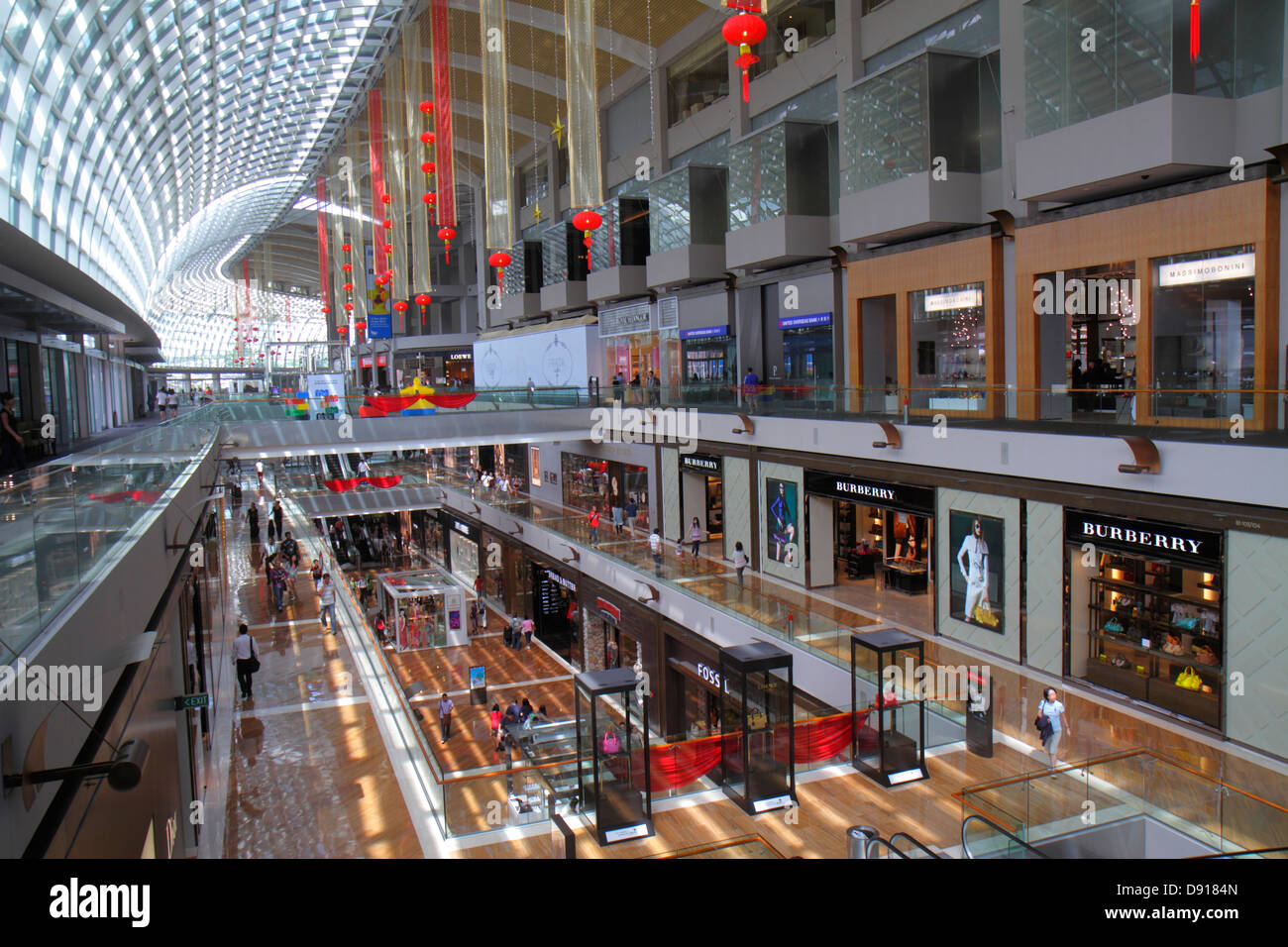 Singapore The Shoppes at Marina Bay Sands shops shopping front entrance Burberry - Stock Image