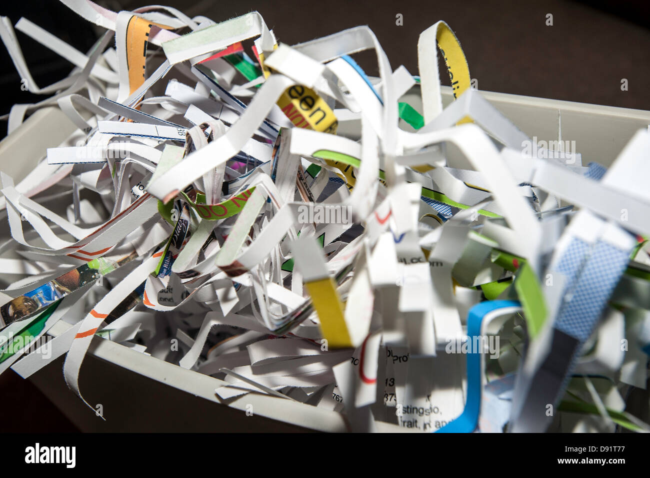 recycling shred shredder shredding documents - Stock Image