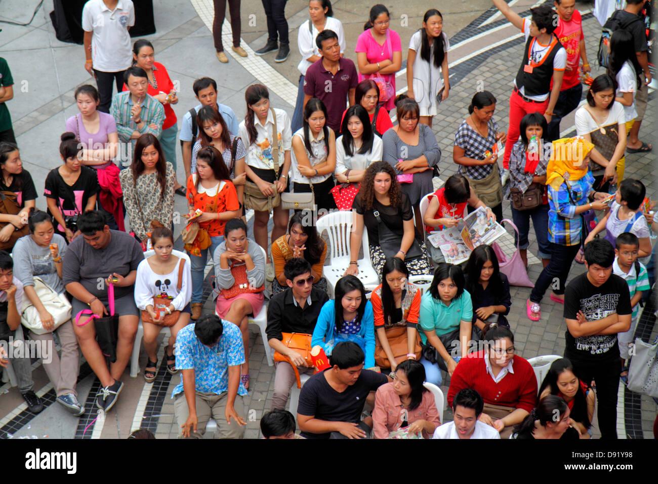 71743912 Bangkok Thailand Pathum Wan Rama 1 Road MBK Center centre event talent show  Asian man woman