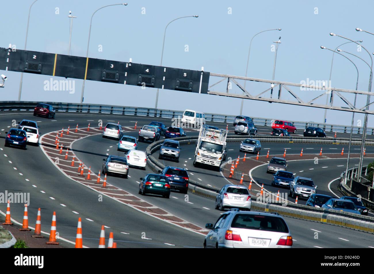 Traffic on Auckland Harbour Bridge, New Zealand - Stock Image
