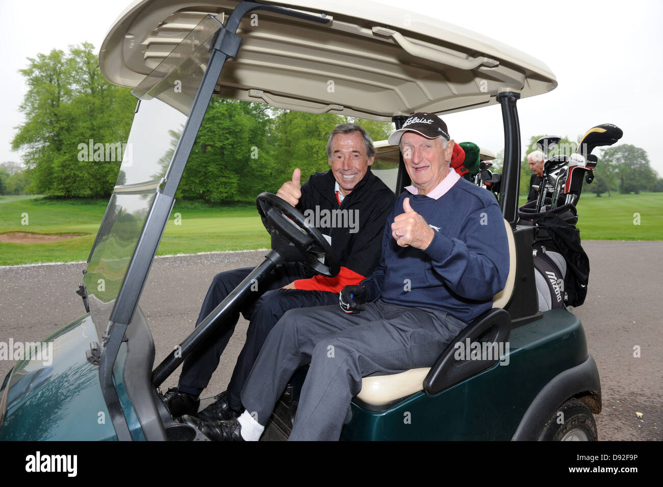 Former Stoke City football team mates Gordon Banks and George Eastham re-united on Brocton Hall Golf Course in Staffordshire. - Stock Image