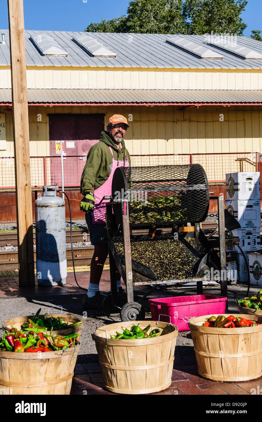 Chili Roasting, Santa Fe Farmers Market, The Railyard, Santa Fe, New Mexico - Stock Image