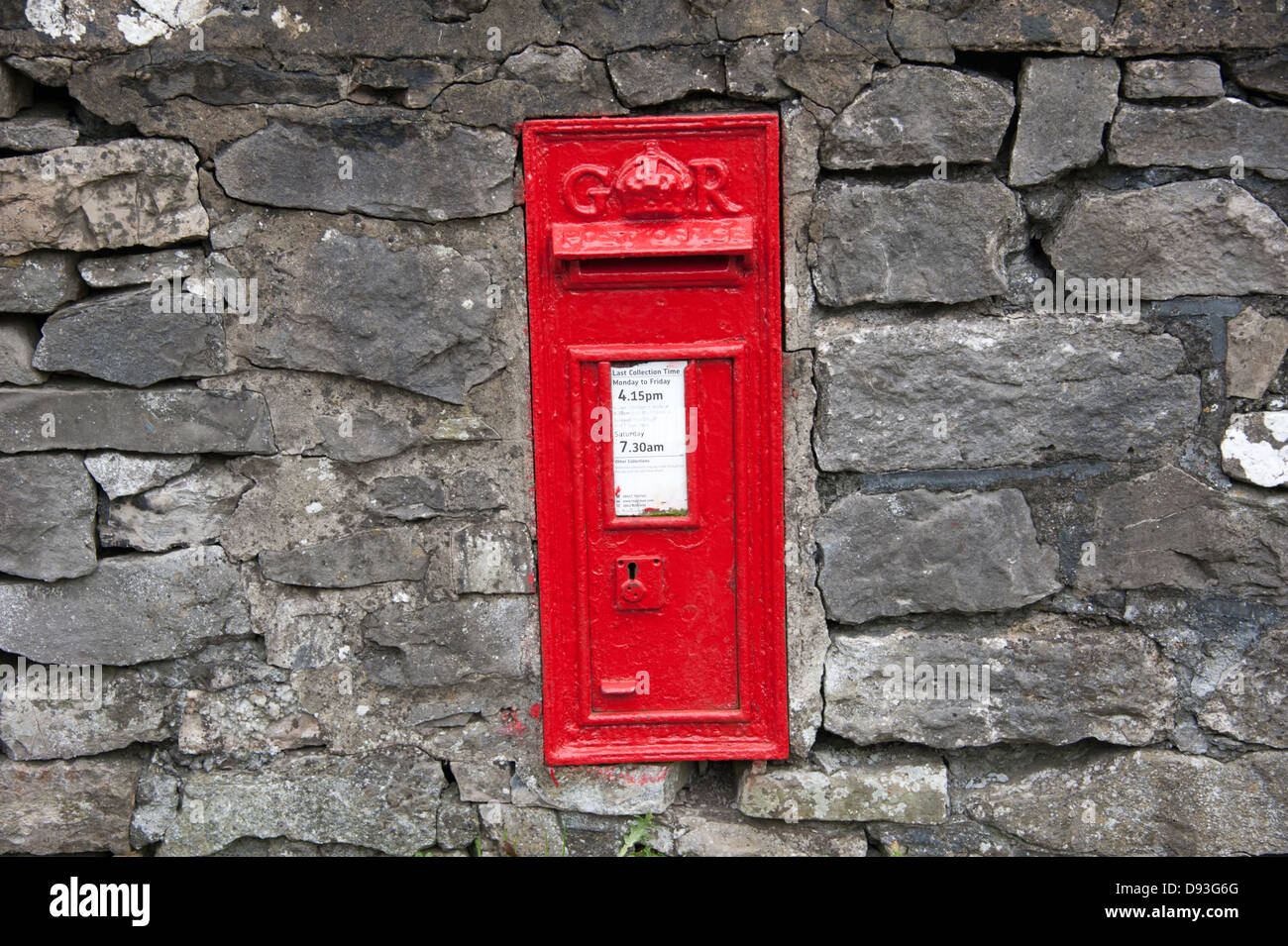 GR Royal Mail Letter Post Box Red Old UK England Stock Photo