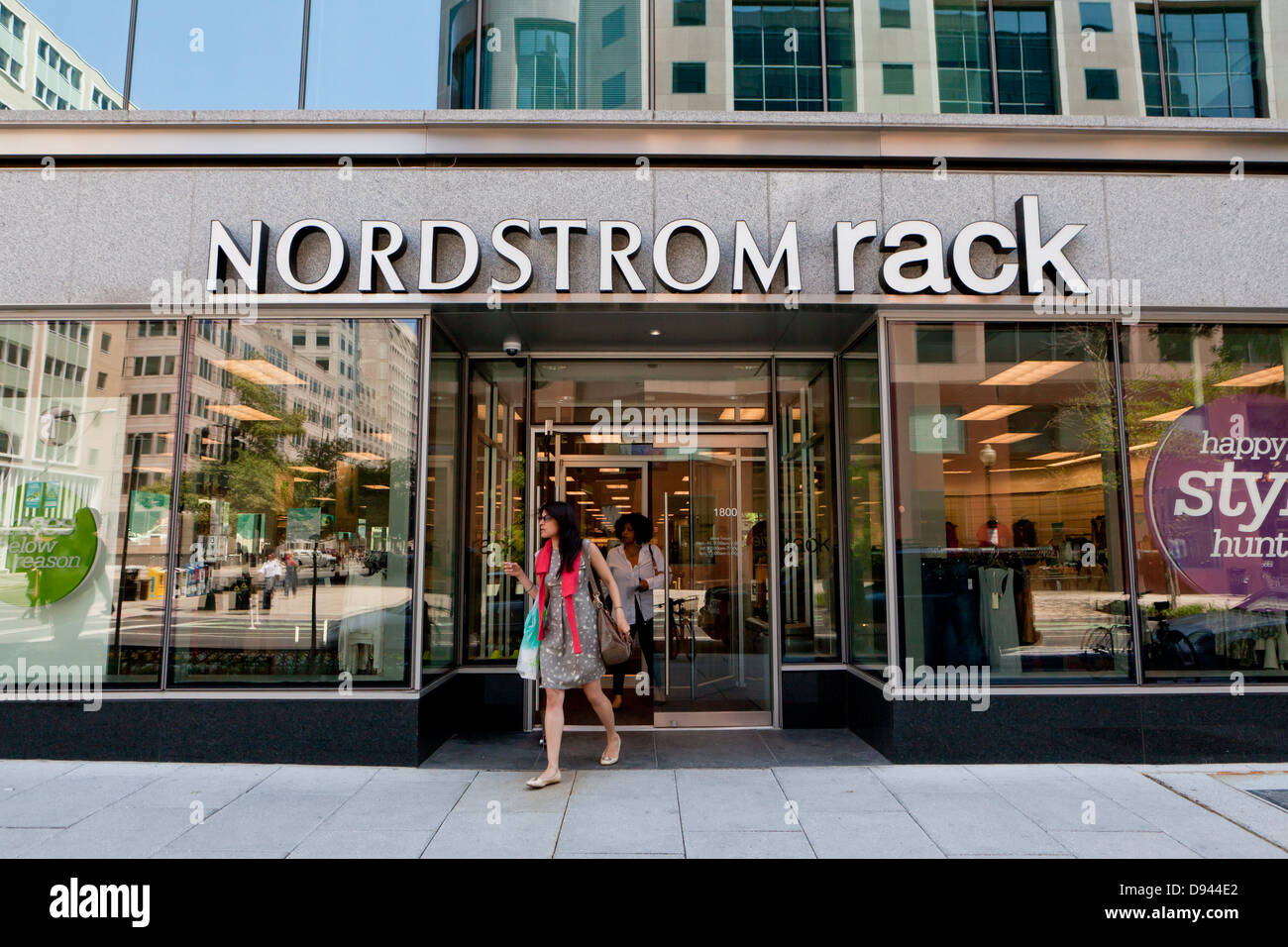 Nordstrom Rack Stock Photos & Nordstrom Rack Stock Images - Alamy