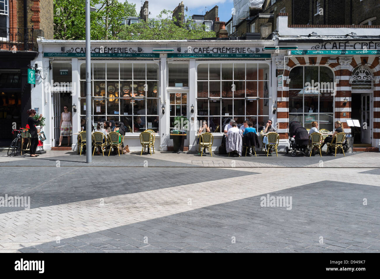 Outdoor dining in south kensington picture by julie edwards