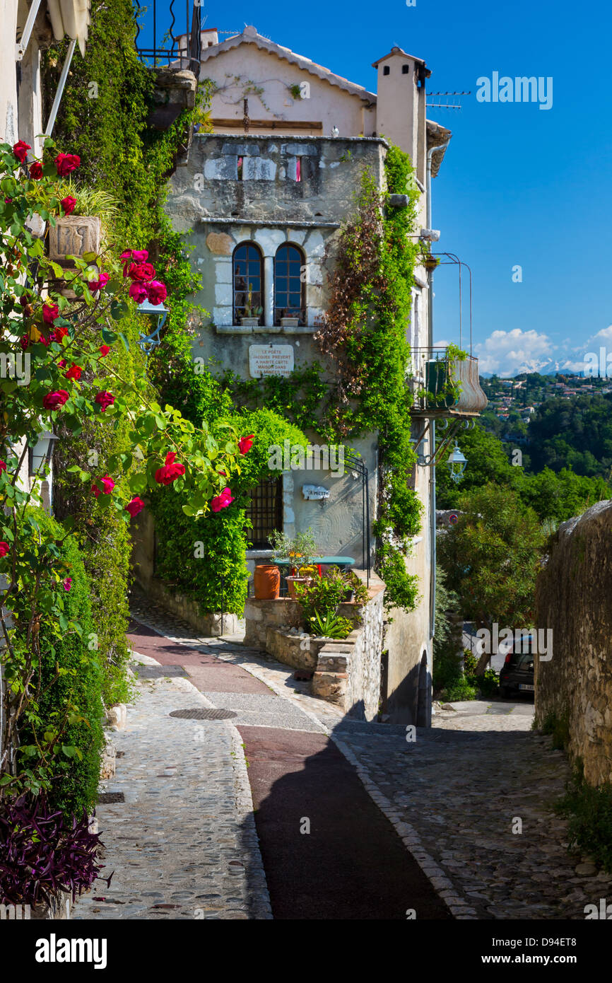 Street in Saint Paul de Vence in southern France - Stock Image