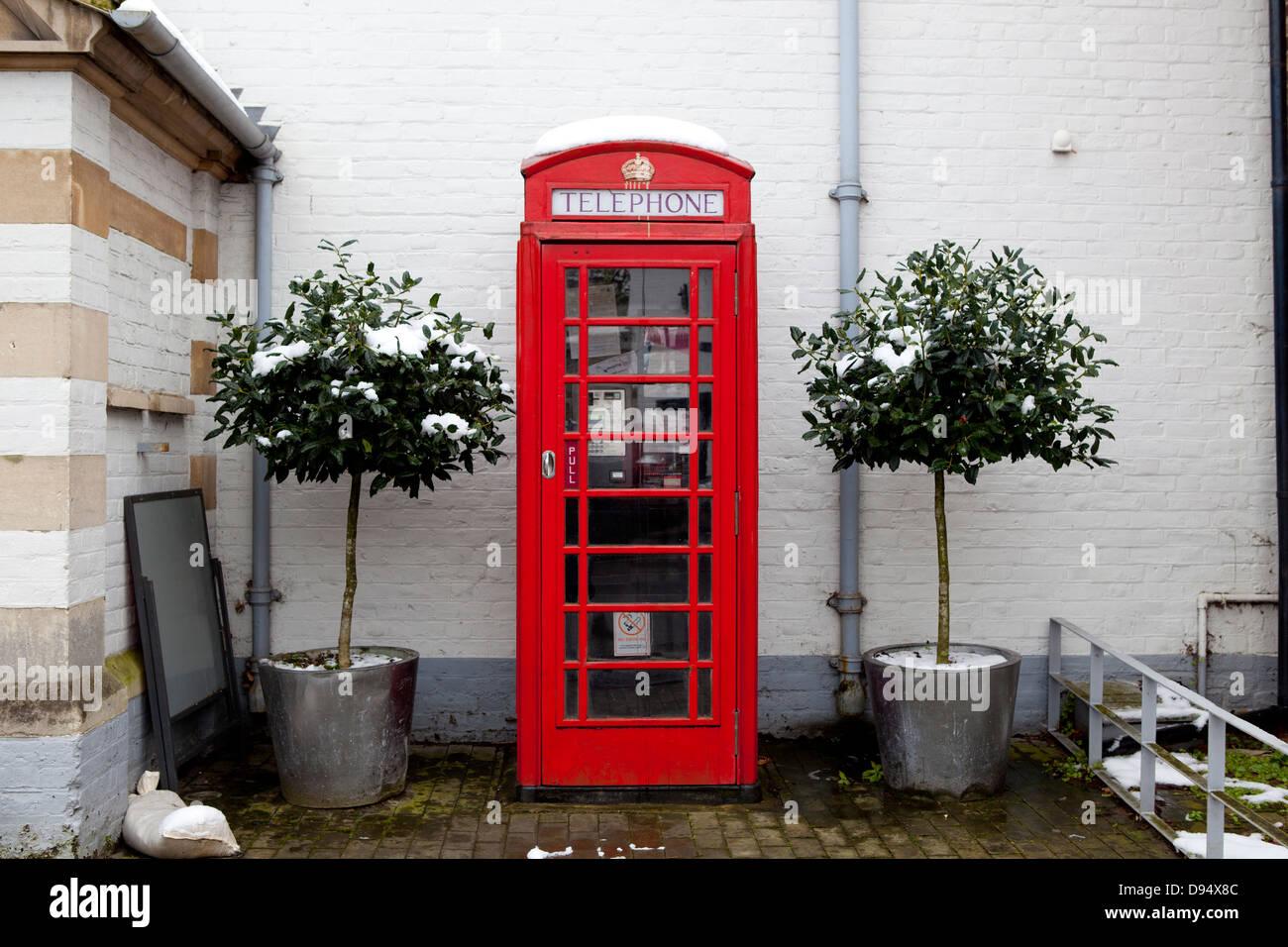 Red telephone box, Cookham UK - Stock Image