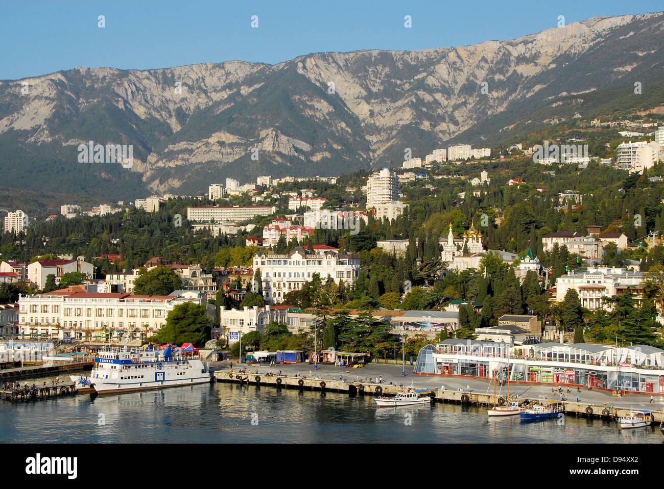 The seaport city of Yalta, Crimea on the Black Sea. - Stock Image
