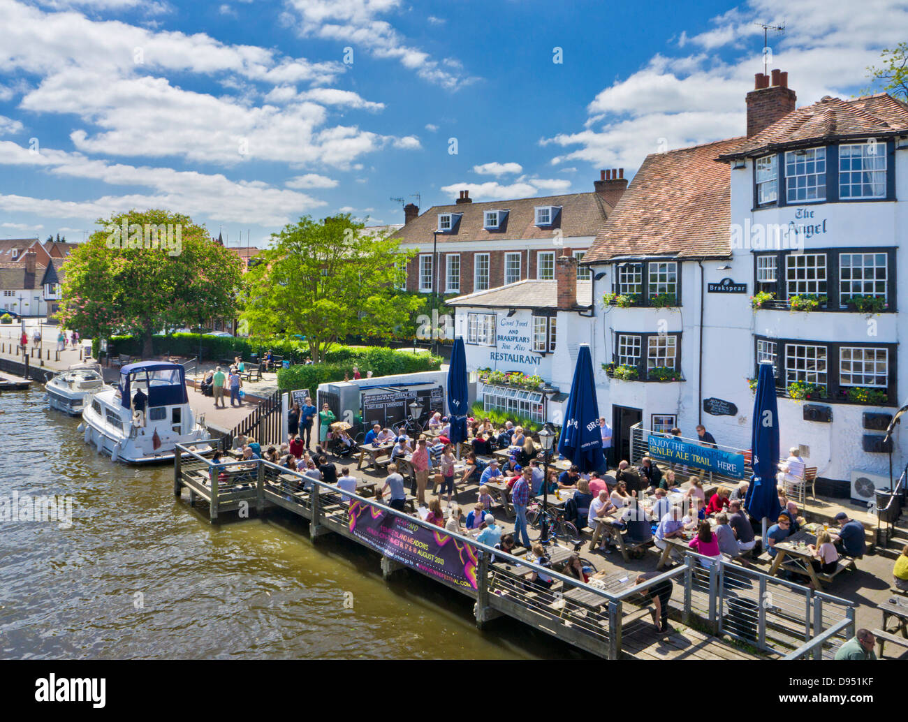 The Angel pub by Henley bridge over the River Thames Henley-on-Thames Oxfordshire England UK GB EU Europe - Stock Image