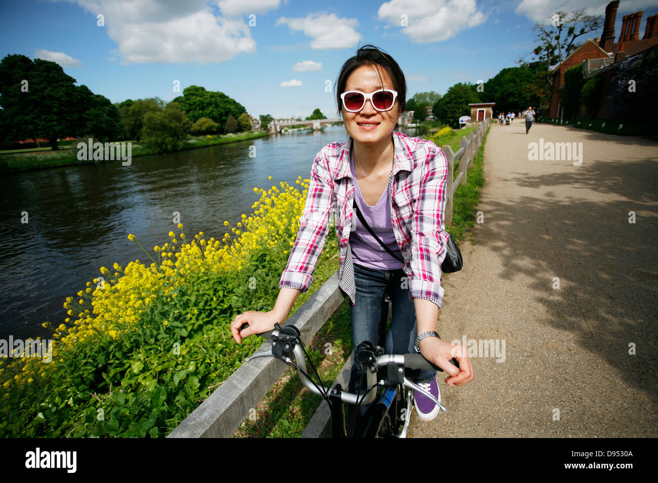 Woman Folding Bike Stock Photos Amp Woman Folding Bike Stock