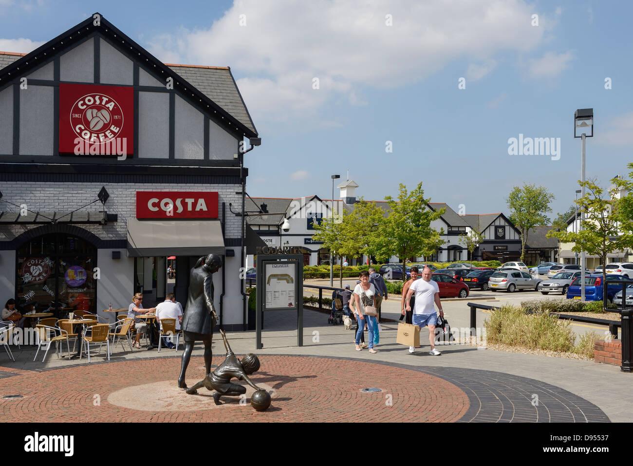 1c7fce5b45 Cheshire Oaks Designer Outlet shopping centre Ellesmere Port UK - Stock  Image