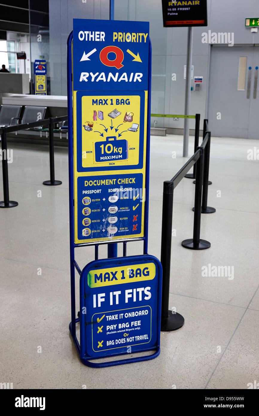 ryanair baggage size check gauge dublin airport terminal 1 ...