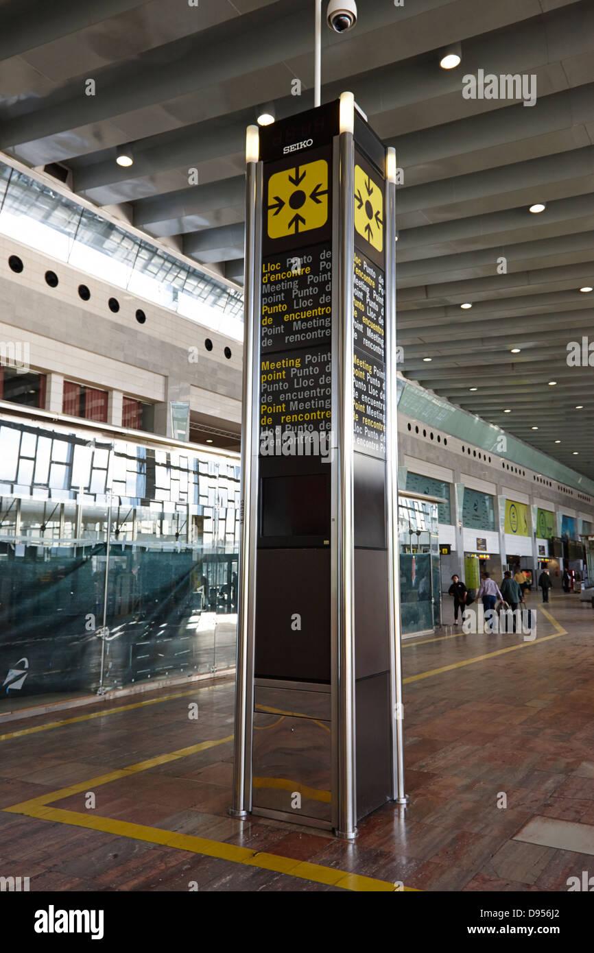 tourist meeting point barcelona el prat airport terminal 2 catalonia spain - Stock Image