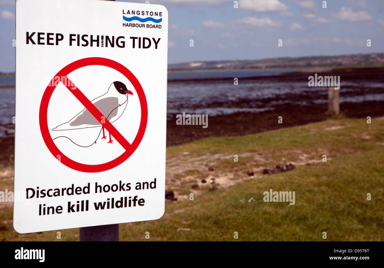 Keep fishing tidy sign at Langstone Harbour, Hayling Island, Hampshire, UK - Stock Image