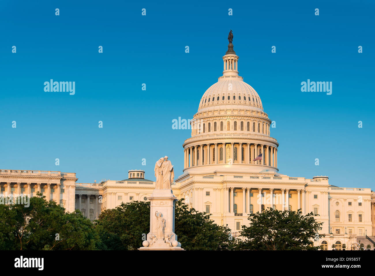 The Peace Monument and U.S. Capitol Building, Washington D.C., USA - Stock Image