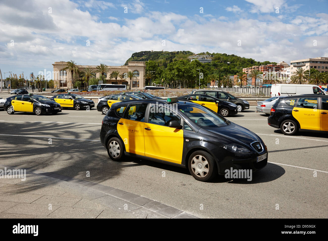 Black and yellow taxi cabs in placa drassanes barcelona city centre stock photo 57280298 alamy - Cab in barcelona ...