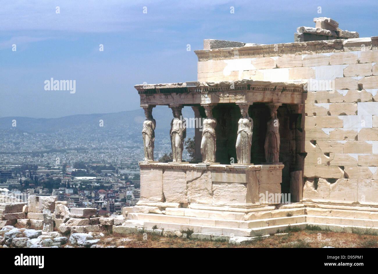 Caryatid porch, the Erectheum, Acropolis, Athens. Designer Mnesicles. 5th century BC. - Stock Image