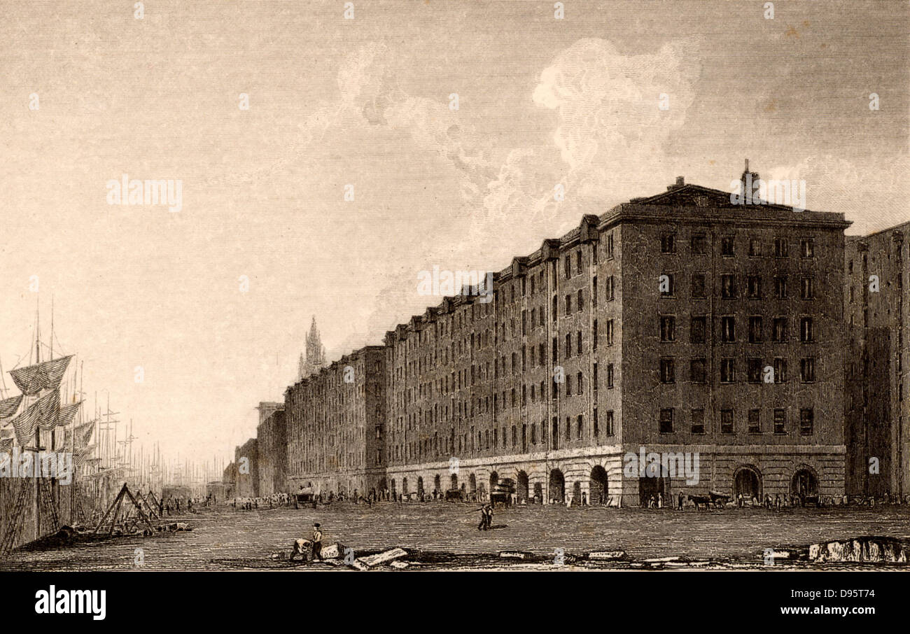 Liverpool Docks, England. Goree Buildings, George's Dock, Liverpool,  pedestrian arcade with five levels of - Stock Image