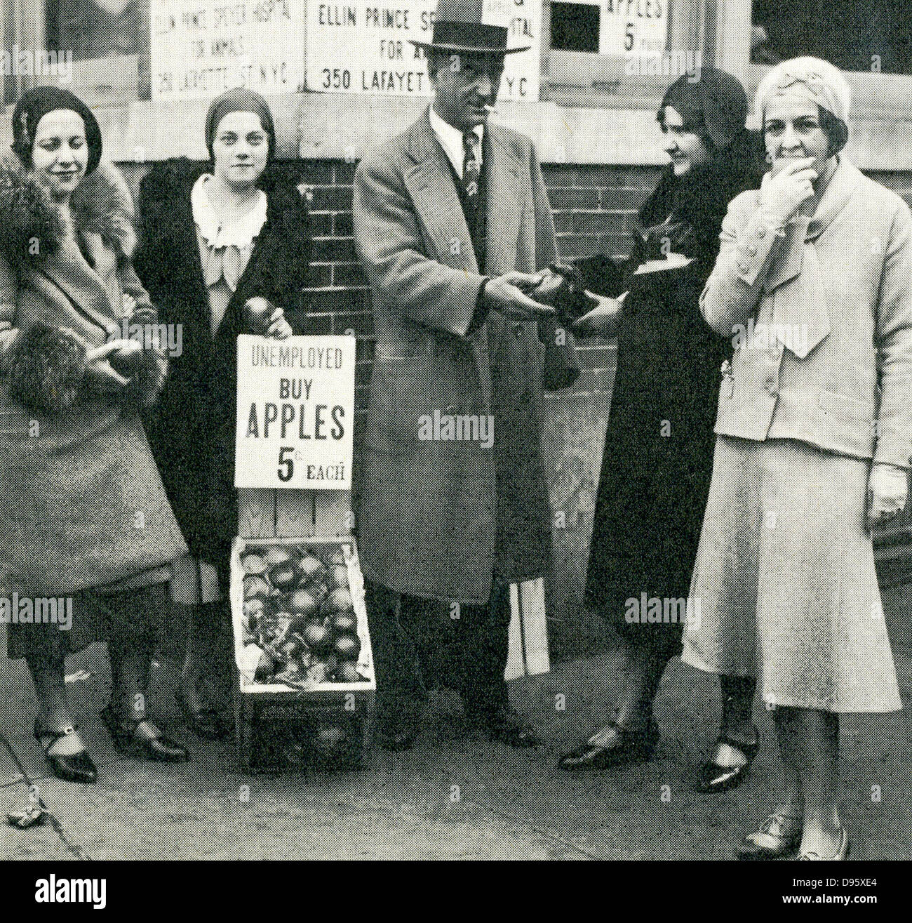 The American Depression - 1930s. Apple vendors stood at street corners in almost every city, trying to eke out a - Stock Image