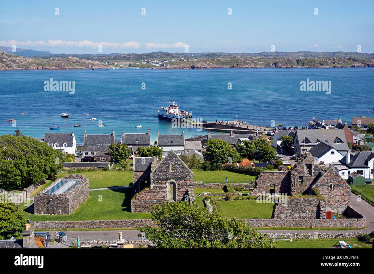 Caledonian MacBrayne car and passenger ferry Loch Buie offloading at the pier at Baile Mor on Isle of Iona from - Stock Image