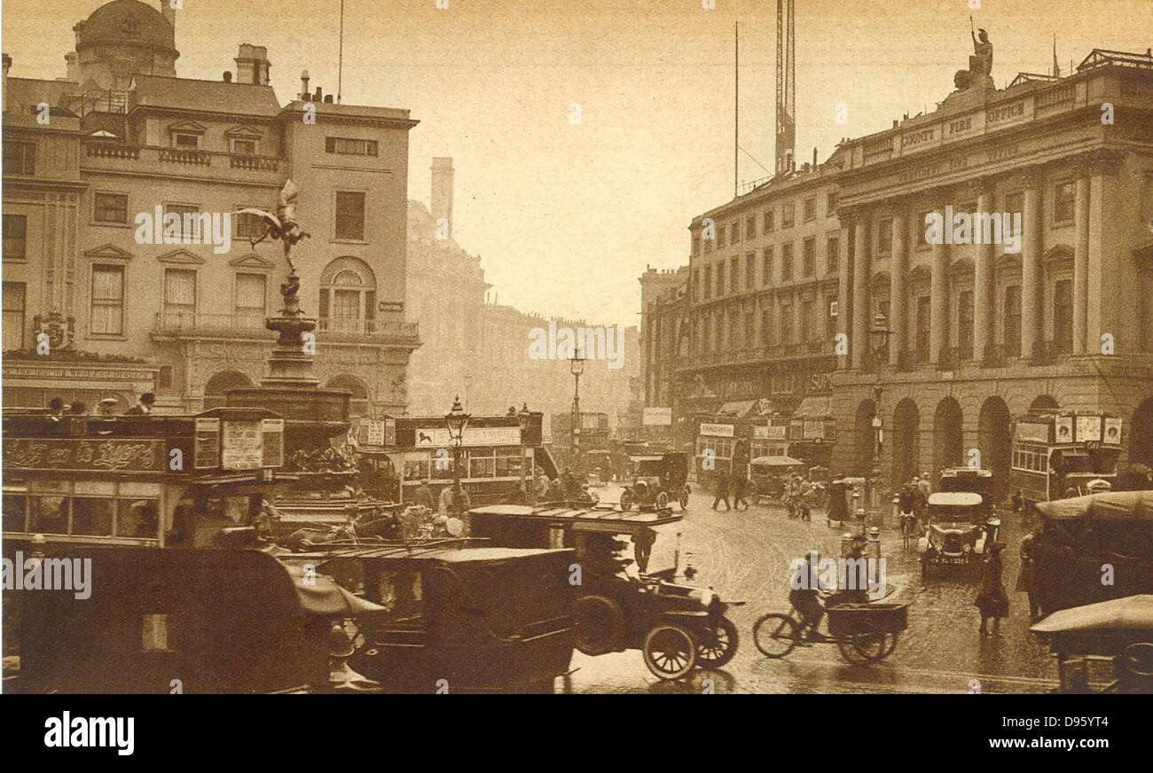 Regent Street, London, England, viewed from Piccadilly Circus, 1923 - Stock Image