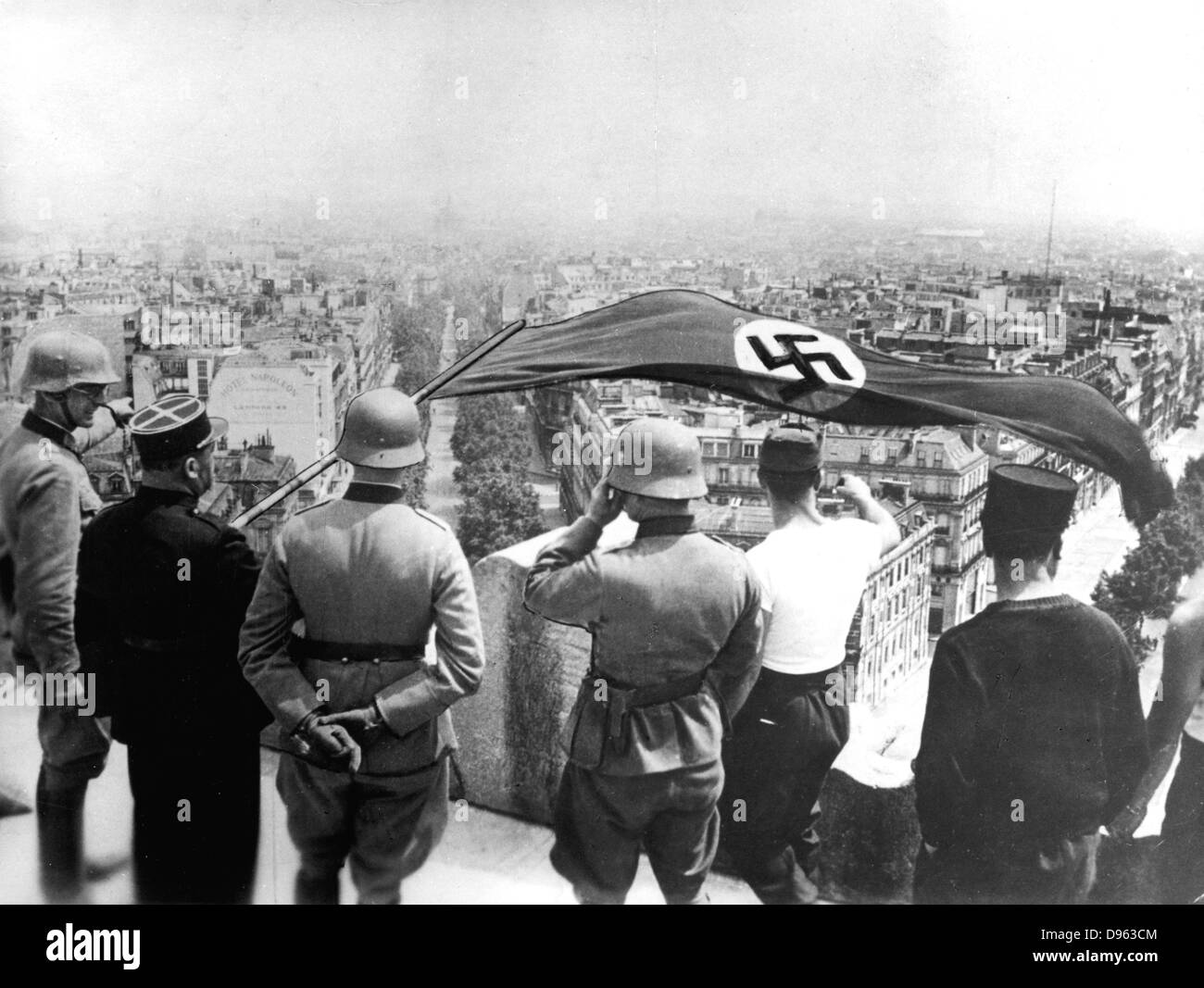 World War 2:German occupation of Paris, June 1940.  The German flag flying from the Arc de Triomphe - Stock Image