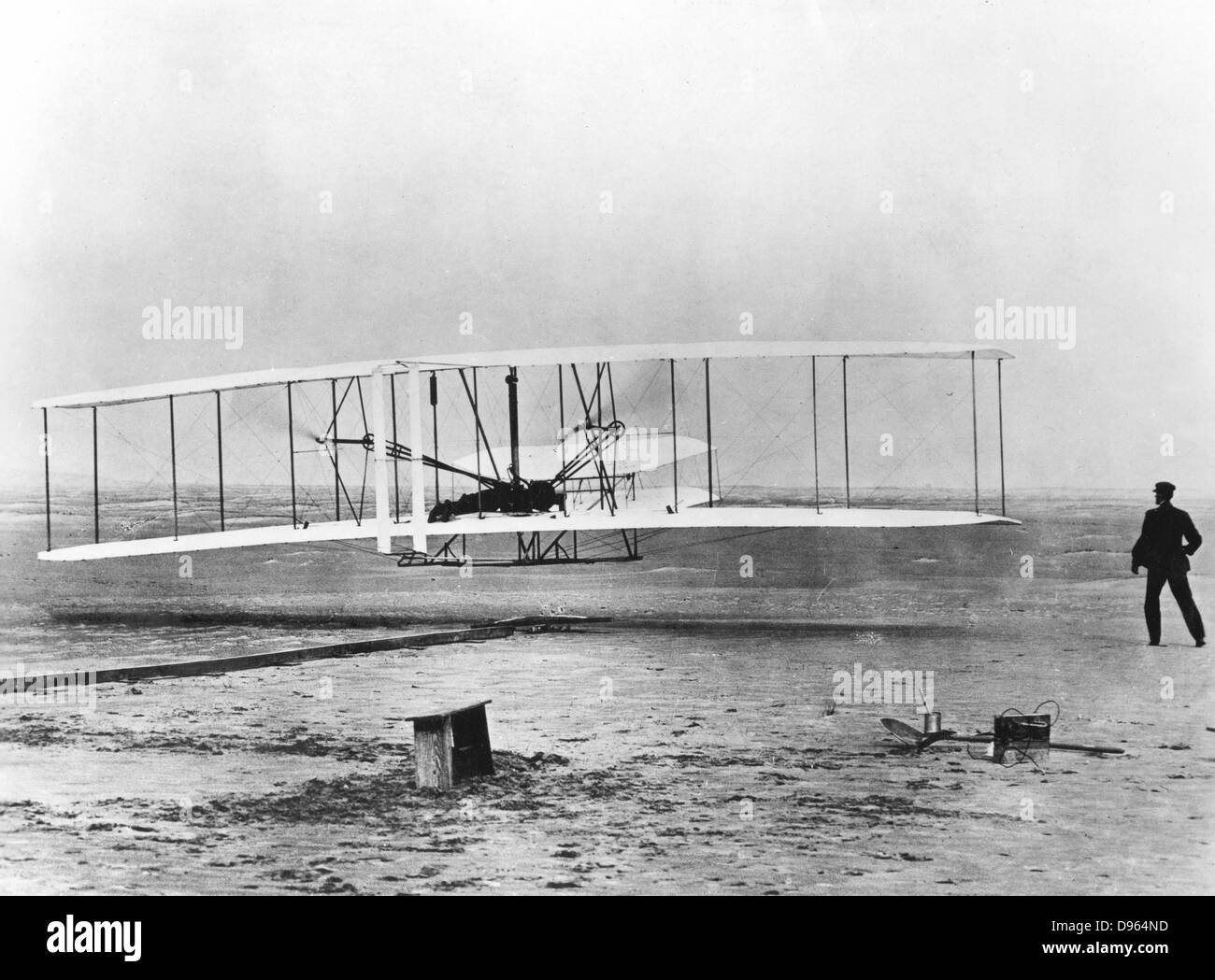 orville and wilbur wright invented the first powered