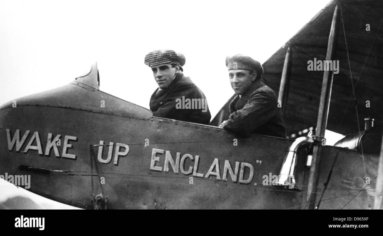 Graham White (left) and RT Gates, British pioneer aviators. Photograph. - Stock Image
