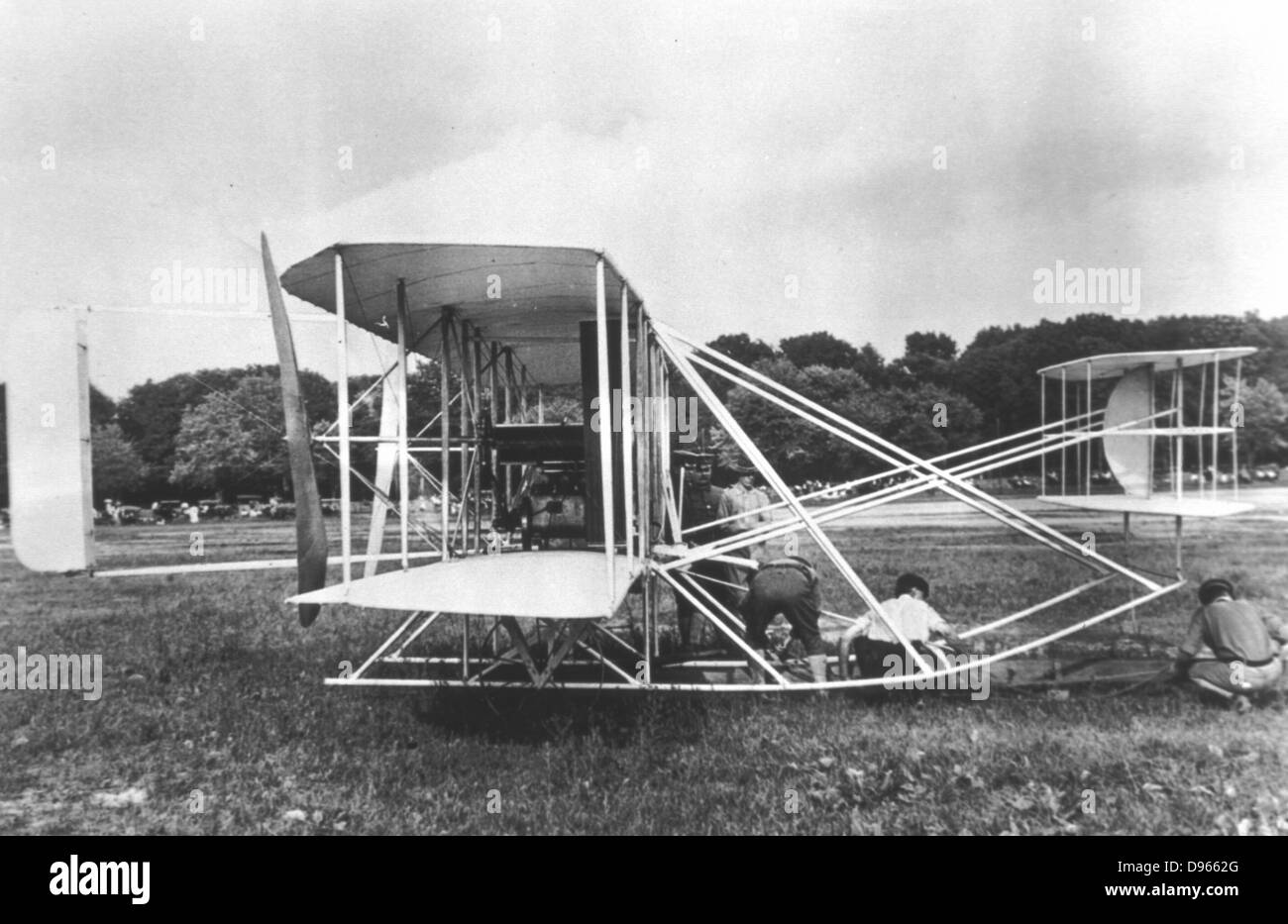 Wright Brothers' Military Flyer of 1909. Photograph. - Stock Image