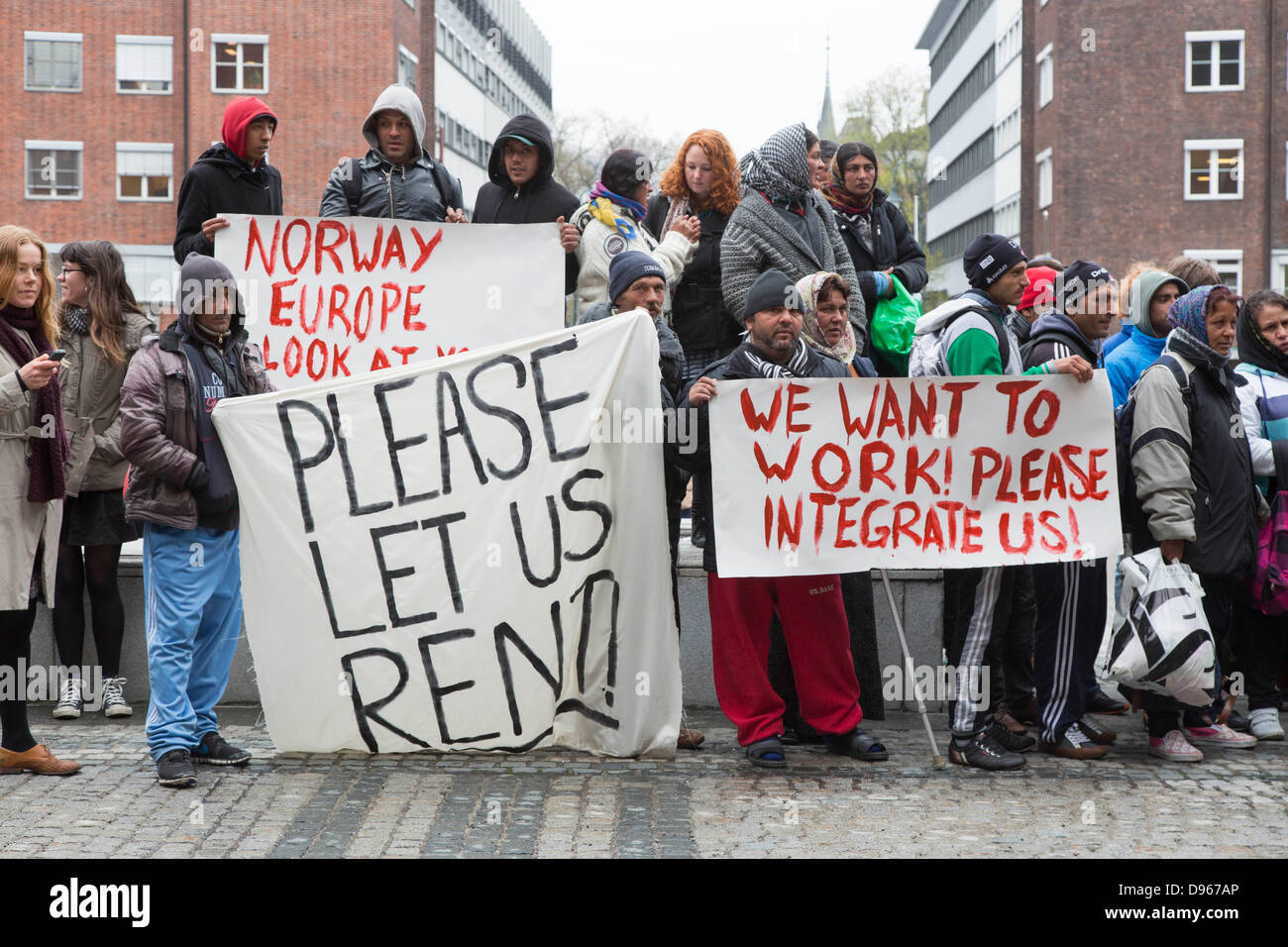 Roma migrants from Romania demonstrating for work and integration in front of the town hall of Oslo - Stock Image