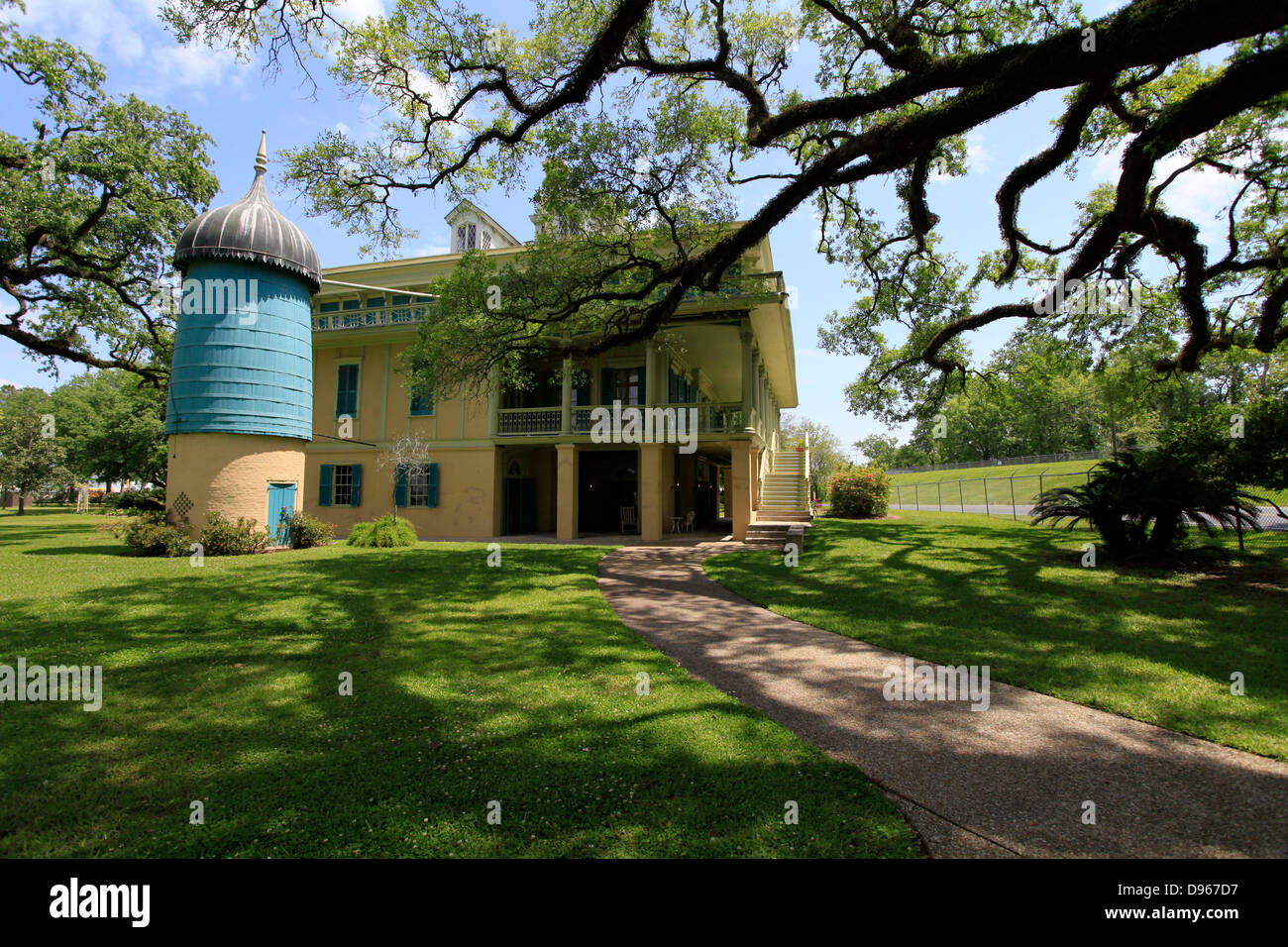 Plantation Owner House on governors house, indians house, mills house, plantation style house, colonists house, plantation masters house, country plantation house, plants house, french plantation house, planters house,